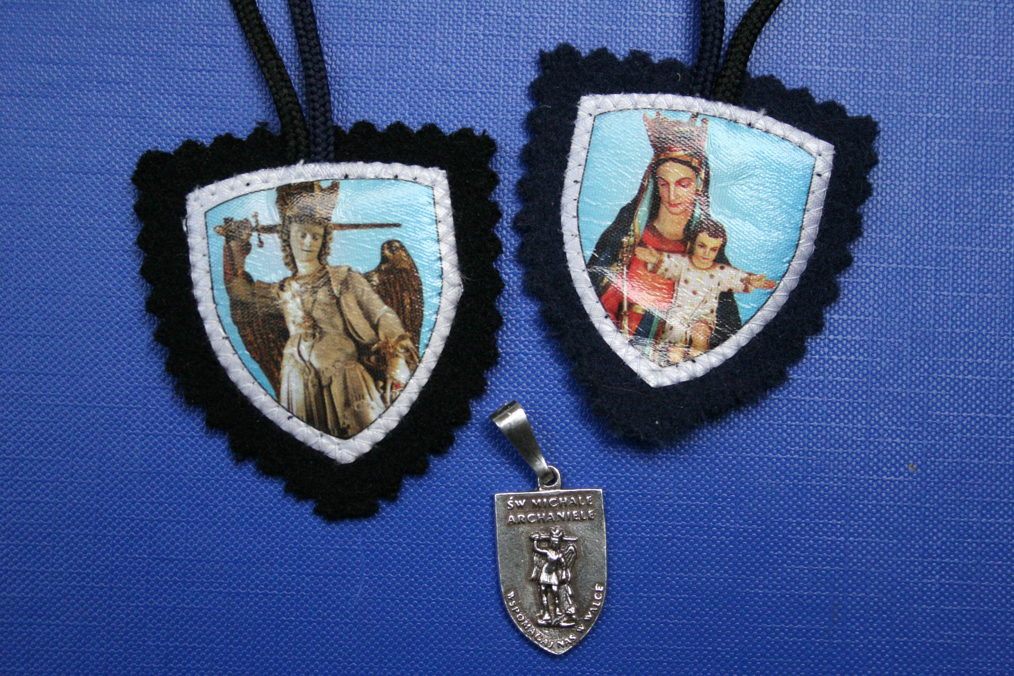 szkaplerz Św. Michała Archanioła 001